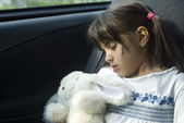 Girl sleeping in the car — Foto de Stock