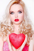 Model with Valentine's heart — Stock Photo