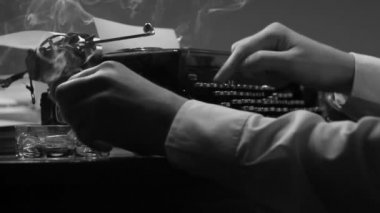 Man typing on a vintage 40's style manual typewriter - flim noire style — Stock Video