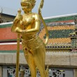 Gold sculpture in Grand Palace, Bangkok — Stock Photo