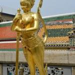 Gold sculpture in Grand Palace, Bangkok — Stock Photo