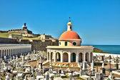 San Juan Cemetery with El Morro Fortress — Stock Photo
