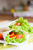 Thin pita bread and a salad of fresh vegetables — Stock Photo