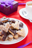 Heart-shaped biscuits and a cup of tea — Stock Photo