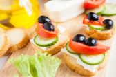 Small canapés with feta and vegetables — Fotografia Stock