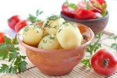 Batatas cozidas e salada de tomate — Foto Stock