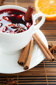 Traditional mulled wine with almonds and cinnamon — Stock Photo