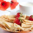 Fresh and fragrant berry pancakes — Stock Photo #22214257