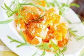 Casseruola zucca con formaggio in un piatto bianco — Foto Stock