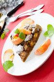 Mooie appeltaart met caramelstroop gebak — Stockfoto