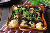 什锦蘑菇烤的土豆 — 图库照片