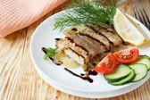 Stuk van gebakken visfilets — Stockfoto