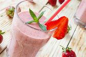 Strawberry milk shake — Stock Photo
