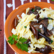 Pasta with roasted mushrooms — Stock Photo