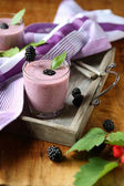 Delicious and healthy blueberry smoothie with blackberries — Stock Photo