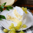 Camembert cheese and grapes — Stock Photo