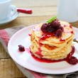 American pancakes with raspberry jam — Stock Photo
