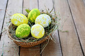 yellow-green Easter eggs — Stockfoto