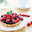 Crispy tartlet with berries — Stock fotografie #40212589