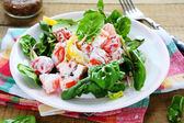Fresh salad with tomatoes, peppers and yogurt — Stock Photo