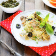 Pasta with roasted mushrooms — Stock Photo #42041285