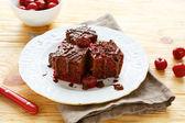 Kirschkuchen mit Schokolade — Stockfoto