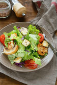 Crisp fresh salad with croutons — Stock Photo