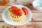 Crunchy waffles with strawberries — Stock Photo