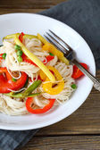 Noodles with spicy vegetables — Stock Photo