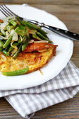 Scrambled eggs with green beans — Stock Photo