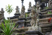 Ancient god stone statue in Besakih Temple, a listed to-be World — Fotografia Stock