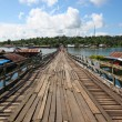 An old wooden bridge in Sangklaburi — Stock Photo