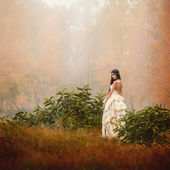Fog nude girl — Stock Photo