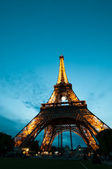 The Eiffel tower in Paris at sunset — Stock Photo