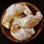 Sweet cookies with jam — Stock Photo #33435027