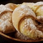 Sweet cookies with jam — Stock Photo #33435039