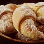 Sweet cookies with jam — Stock Photo #33435043
