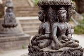 佛教雕塑附近猴庙 — 图库照片