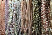 Collane di perlecarino piccolo pagliaccio — Foto Stock