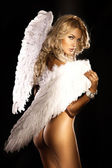 Hermoso ángel rubio desnuda mirando a cámara. — Foto de Stock