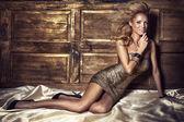 Beauty portrait of blonde woman posing — Stock Photo