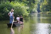 Punting sur la rivière cherwell, oxford, angleterre — Photo