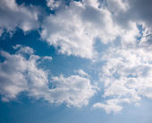 Cloud in timid sky with shade of light — Foto Stock
