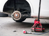 Car wheel removed out — Stockfoto