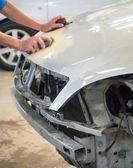 Auto-karosserie-reparatur — Stockfoto