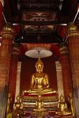 Zlatý buddha — Stock fotografie