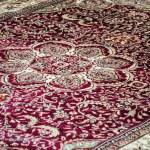 Broad carpet on sale — Stock Photo