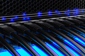 Nowoczesne sieci przełącznik z kablami. — Zdjęcie stockowe