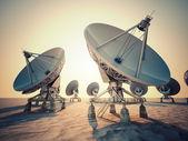 碟形卫星天线 — 图库照片