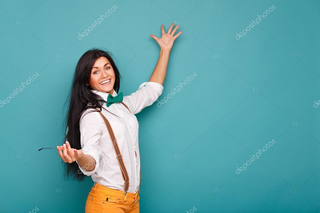Как носить бабочку с рубашкой девушке фото